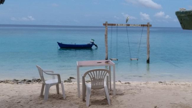 Maldive - Colazione e pranzo sulla spiaggia