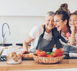 Foto Il cibo è un canale di comunicazione fra generazioni