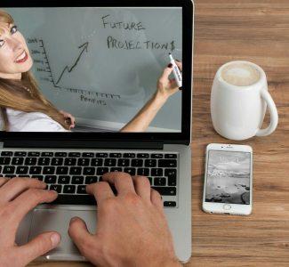Foto Formazione, i 5 vantaggi dell'e-learning per le aziende